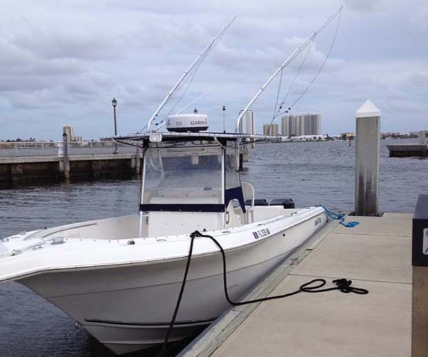 Grant's 28-foot offshore fly fishing rigged deep V hull