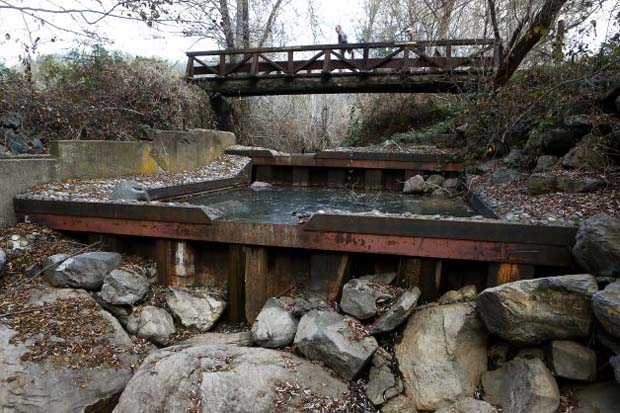 Not much of a chance for a salmon run here. San Geronimo Creek in West Marin County is generally a popular spot to find coho salmon jumping their way upstream - but not this drought-parched winter. Photo: Beck Diefenbach, Special To The Chronicle