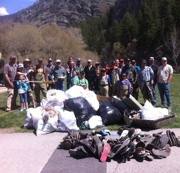 All in a day's work for this dedicated group of trash-haters in Utah. Photos by Ryan Newman.