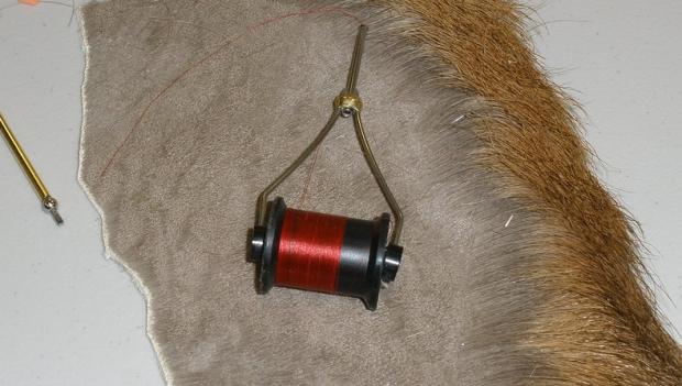 Beginner Fly Tying: #3 – The all-important bobbin