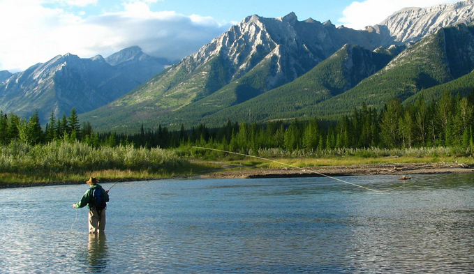 10 great places to explore along the Canadian border