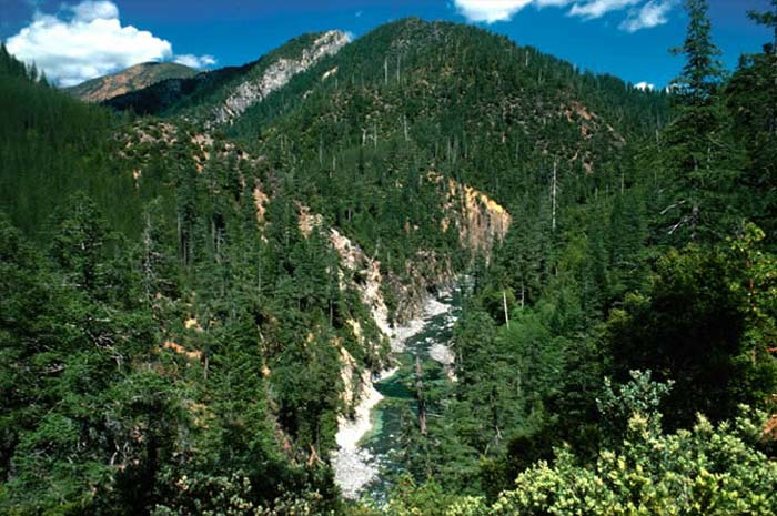 On one of Oregon's wildest rivers, mining protections lapse